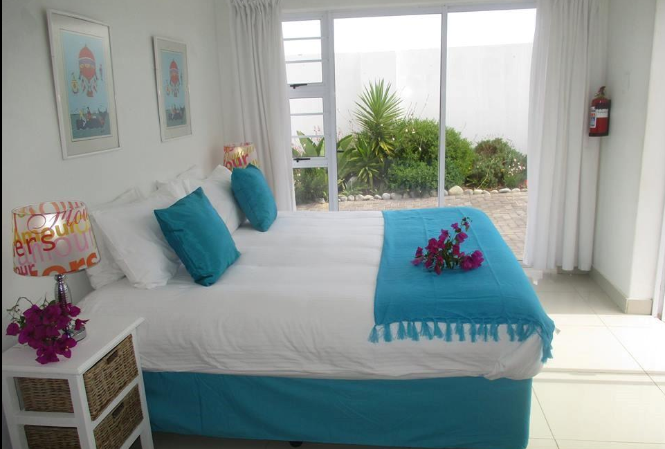 saldanha bay inn accommodation.PNG